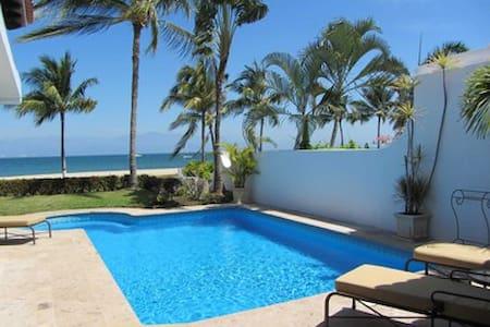Amazing 2BR 2BA beachfront villa with private pool
