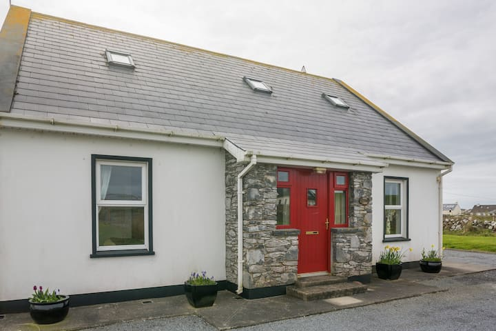Modern & Stylish 4 Bedroomed House