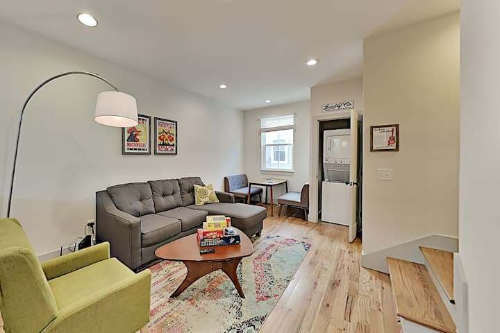 Stylish Townhouse in The Nations - Near Downtown!