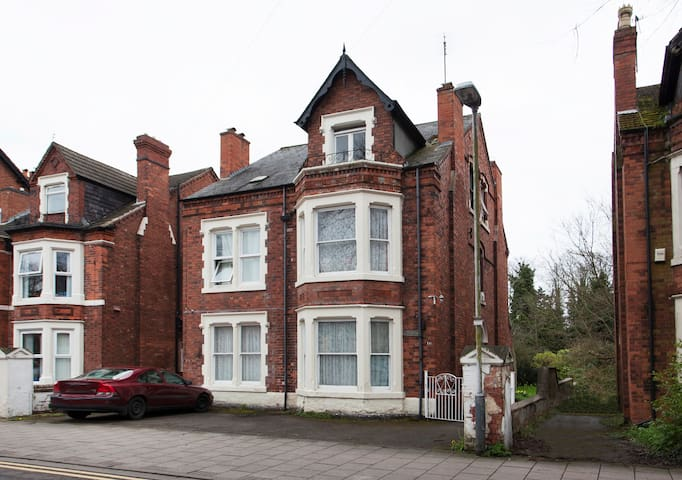 Charming Victorian House in West Bridgford