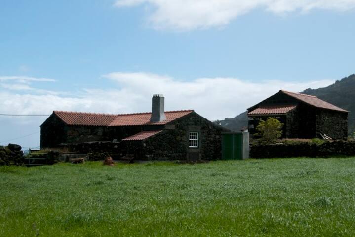 Casa das Cagarras - Ilha do Pico, Açores - Flat