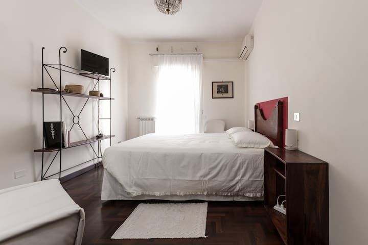 B&B Sorcinelli - Room Villanova - Cagliari - Bed & Breakfast