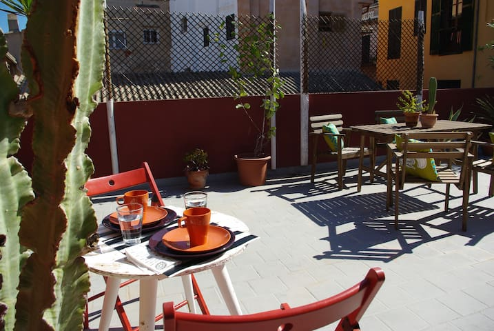 Top-floor with terrace in Palma. Monthly rental