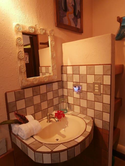 Room Kiara - Bathroom