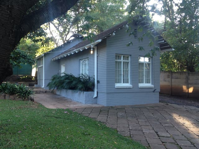3  Dover Apartment  Upmarket  Self Catering - Harare - Apartment