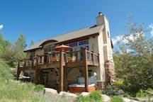Lower deck with 6 person hot tub. Upper deck Lg propane grill, Outdoor dinning sits 10. Awesome views of Mt Timpanogoes