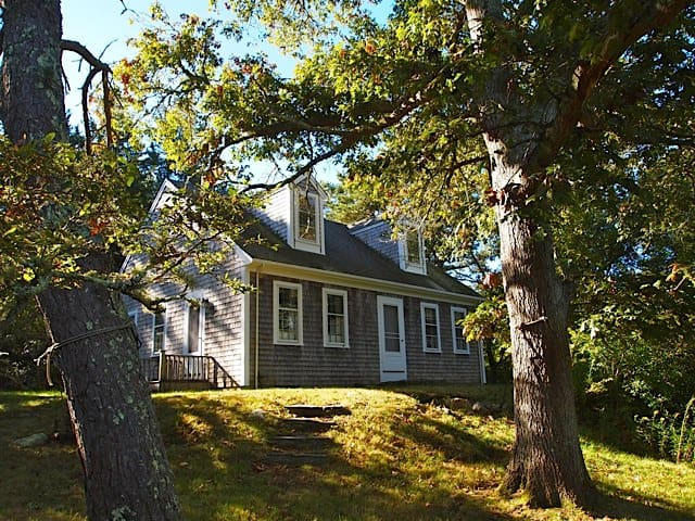 Chilmark Cottage with Ferry Reservations Included - Chilmark - Casa