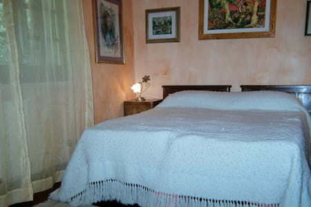 B&B Valmontone  -  Betulla room - Cave - Bed & Breakfast