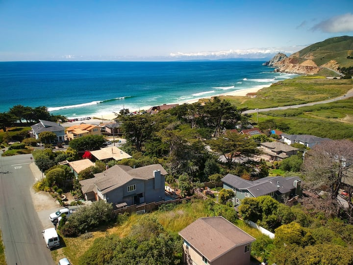 Stunning Oceanview Coastal Cottage | Beach, Trails, Family Activities
