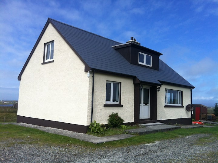 Uist/Benbecula Self-Catering or B&B 2 to 8 guests