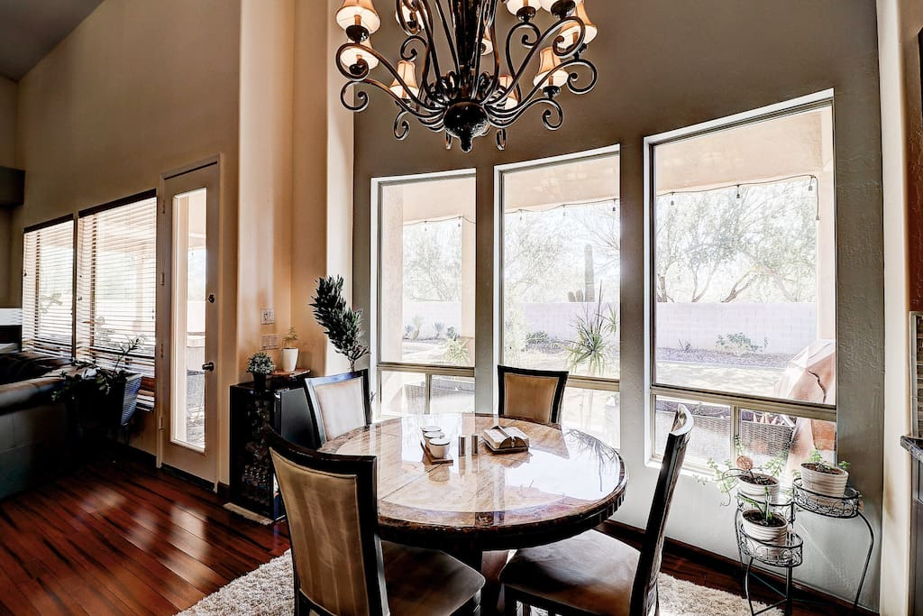 Dining nook right off kitchen