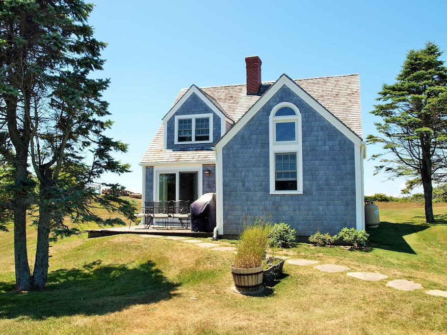 The charming, traditional Block Island cottage sleeps 7.