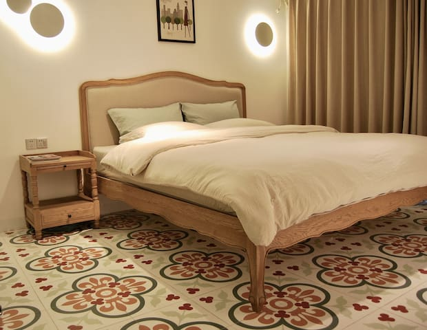 新房特价!!近厦大南普陀沙坡尾和中山路的花砖正规两房room6「春天」