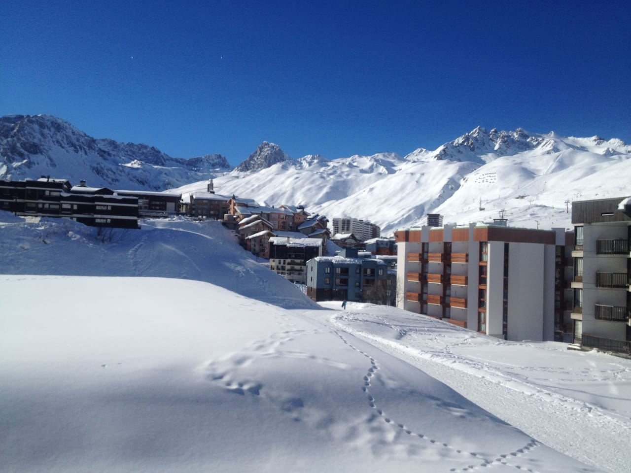View from the balcony in Winter - Quick access ski track on the right