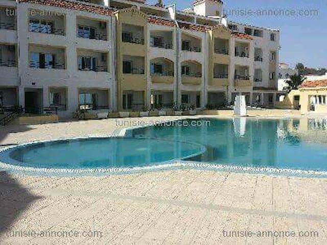 Appart s+1 plein centre Tabarka avec piscine