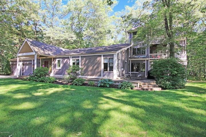 Spacious Home on Large Lot Near Lake Michigan