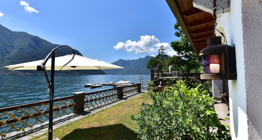 Villa Bianca on the Lake - PARKING