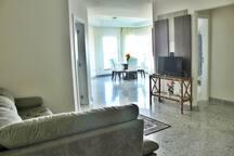 LA011E - Apartamento Frente Mar