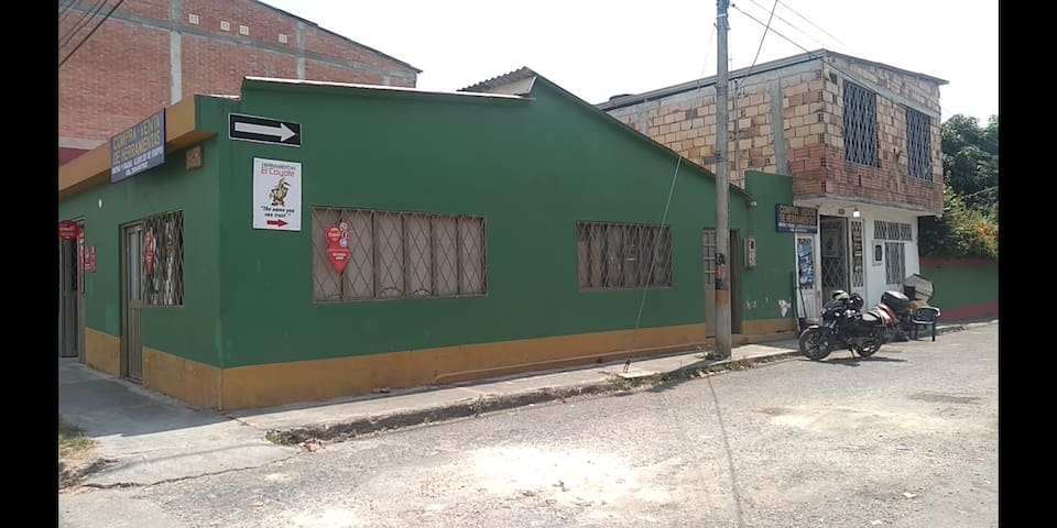 CASA TIPO HOSTEL