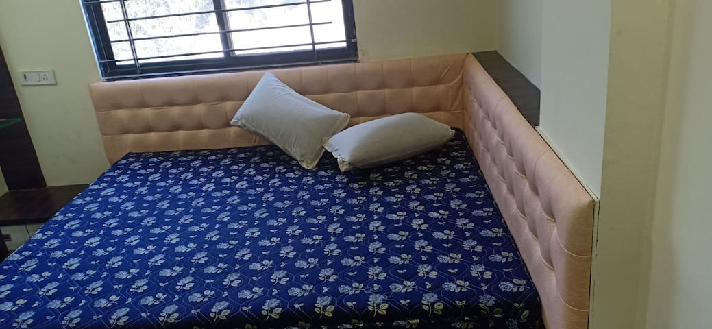 Spacious Flat near Indore(15m route) Semifurnished