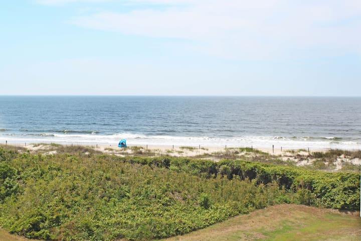 Beach Condo with Ocean Views!