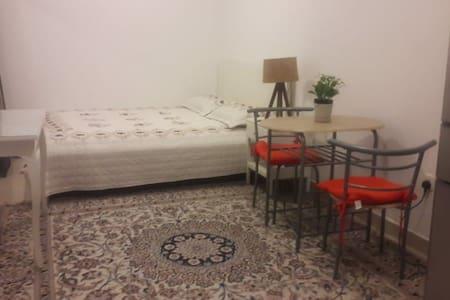 1 bedroom  near burj khalifa residnce  ladies only