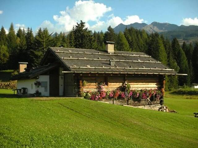 Chalet Baita sulle Dolomiti - Val di Fiemme.
