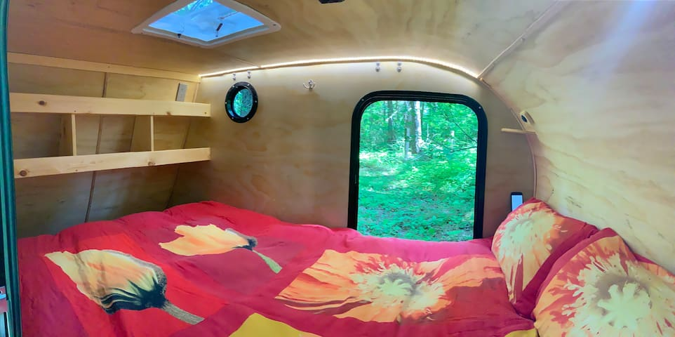 interior cabin-linens not included