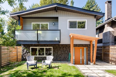 Walk to Lynn Canyon Park From Renovated Family Home
