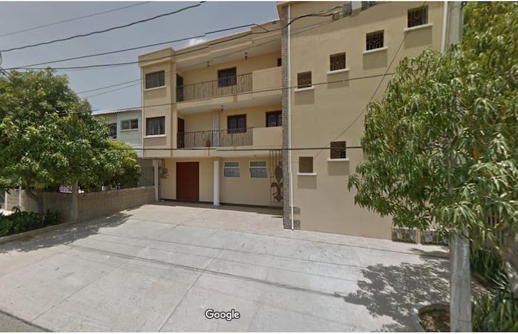 Amplio Apartamento amoblado en Riohacha