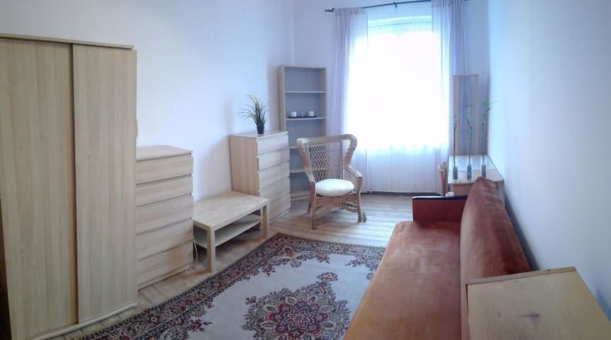 Locable room for couple. Garden at the back. - Poznań - Huoneisto