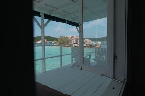 Nongkat Island Overwater Cottage (Dolphin)