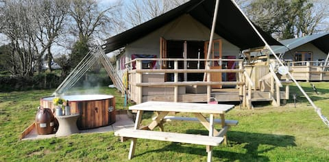 Luxury Glamping with Private Hot Tub  -Buttercup
