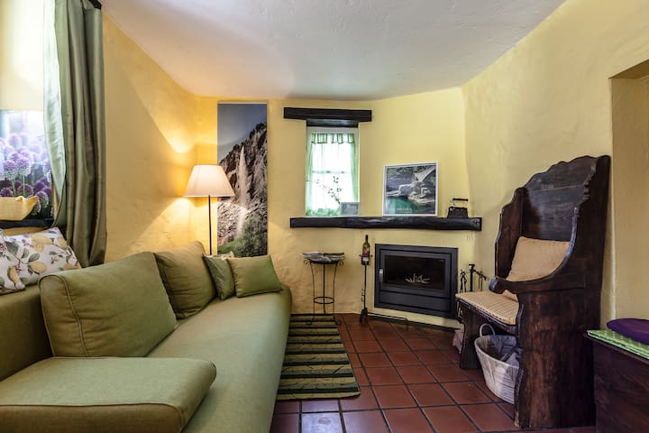 Charming Cottage near Locarno/ Lake - Gordola - House