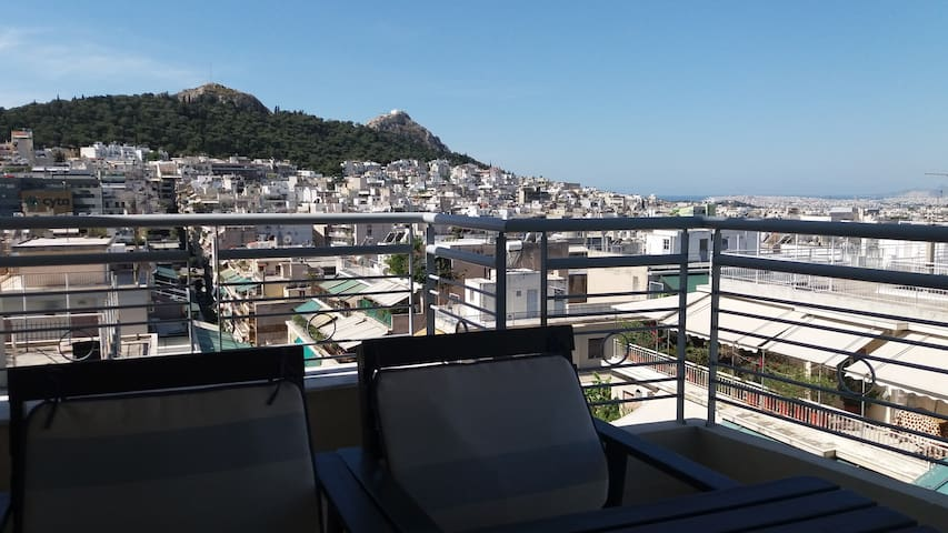 Lovely apartment with great Lycabettus view