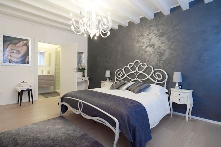 LILIA ROOM IN VENICE CENTER - ST. MARK'S SQUARE