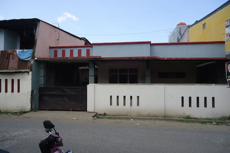 terletak di pinggiran kota  - Makassar - Maison