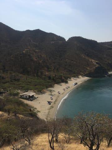 Las miradas a playas casi desiertas! En nuestro trekking