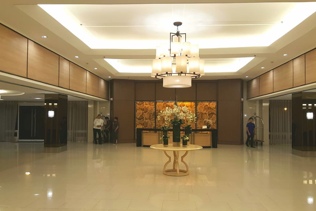 Shell Tower C spacious lobby.
