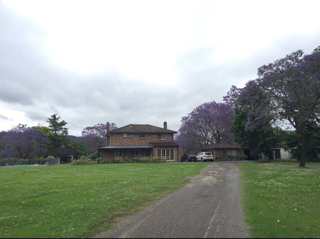 Mulgoa - Country Home
