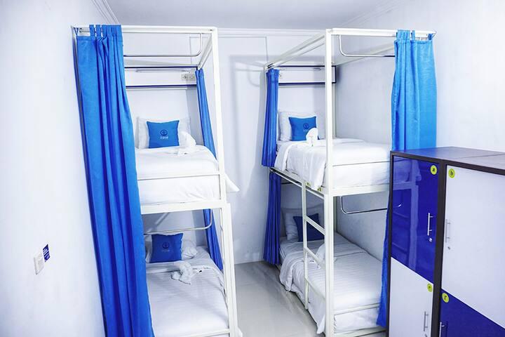 Mixed Dormitory Share Bathroom (for 1 pax)