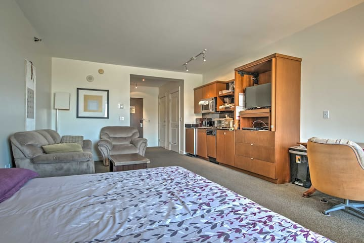 This spacious studio features stylish decor and lots of natural light.