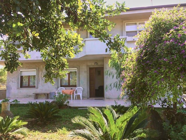 Villa Neapolis La Pergola - Terralba - Huoneisto