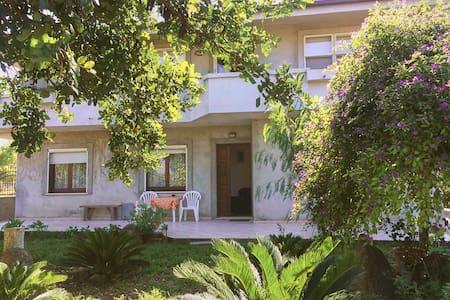 Villa Neapolis La Pergola - Terralba - 公寓