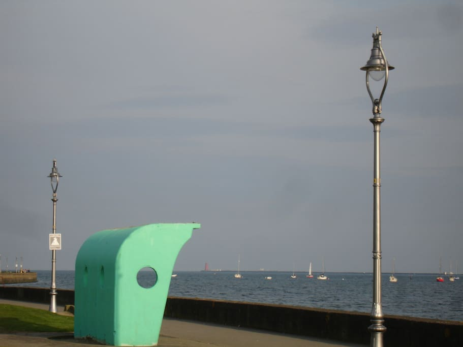 Stroll along the promenade with many cafe's,  Pubs, Italian,  Irish & seafood restaurants