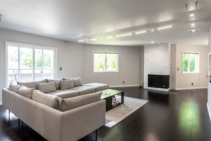 Burlingame Bi-level Penthouse Private Room