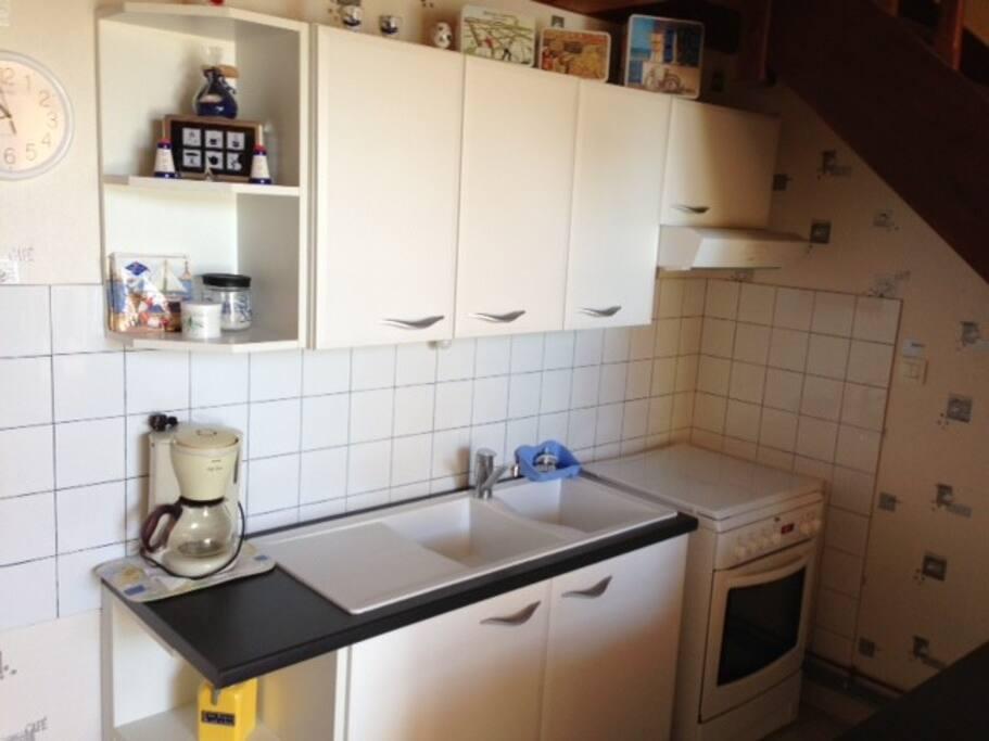 La cuisine aménagée et équipée