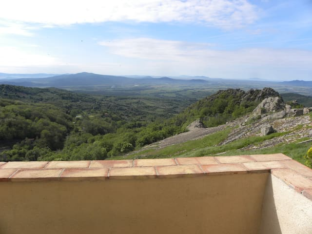 In the heart of Maremma,with a view - Roccatederighi - Ev