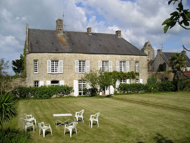 Manor House by Sea Utah Beach 4 km. - Fontenay-sur-Mer - Maison