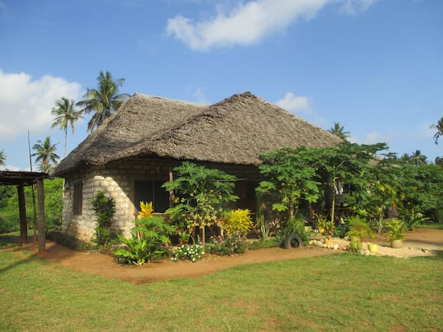 Punda Milia Farm and Guesthouse - Mombasa - Dom
